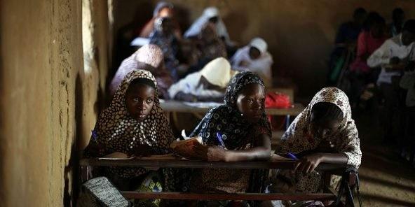 ecole-mali-592x296 (1) https://www.jeuneafrique.com/485558/societe/le-mariage-des-enfants-est-aussi-une-veritable-entrave-au-developpement/